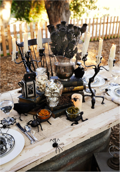 Black halloween table